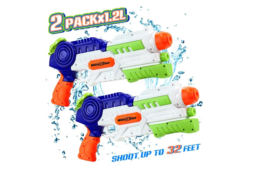 Set of fun multicolored water gun and safe and durable for kids.