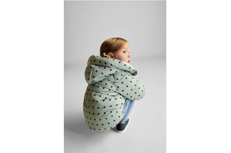 Green with polka dots design hooded puffer jacket fit for fashion style.
