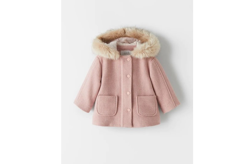 Elegant, fashionable pink duffle coat made in high quality fabric.