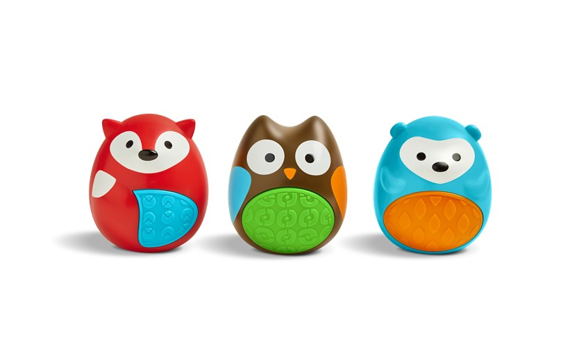 Set of baby's egg shaker with lovable and cheerful characters that creates unique sounds.