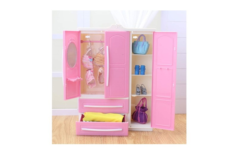 Mini and weight less pink doll closet with foldable hanger perfect for little girls.