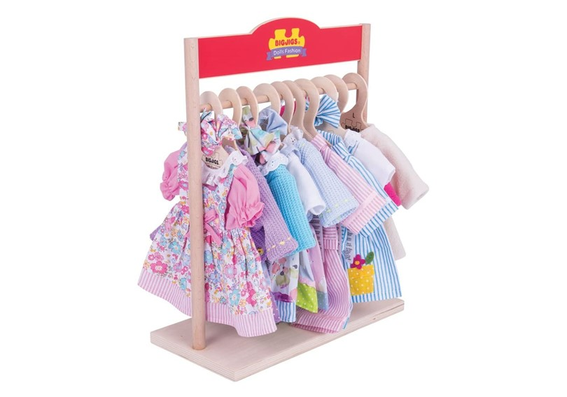 Mini fashionista wooden wardrobe to hang doll's outfit in any occasions.