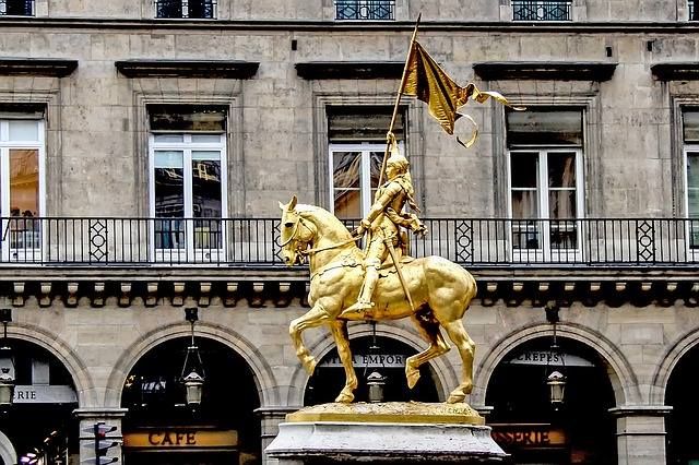 Joan of Arc is undoubtedly one of the most famous female warriors.