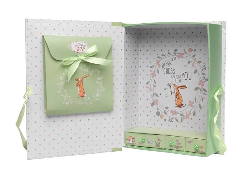 Sophisticated structure and design of green keepsake box with mini compartment inside.