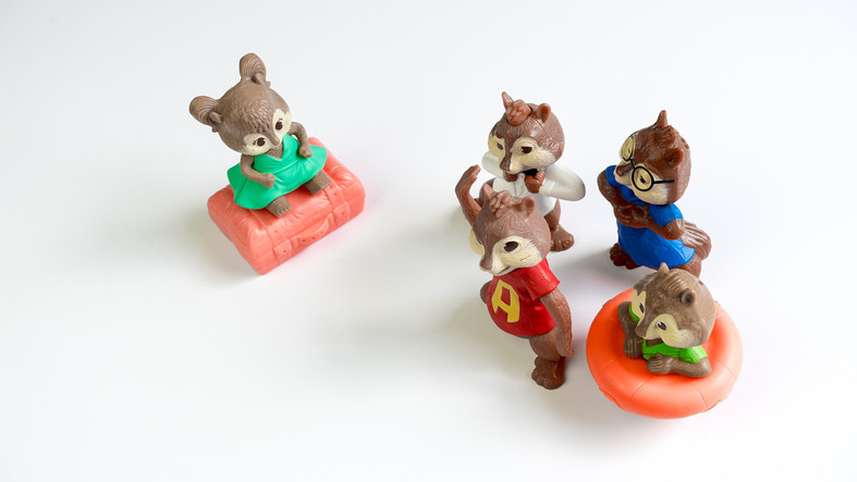 A Chipettes sister singing for the chipmunks.
