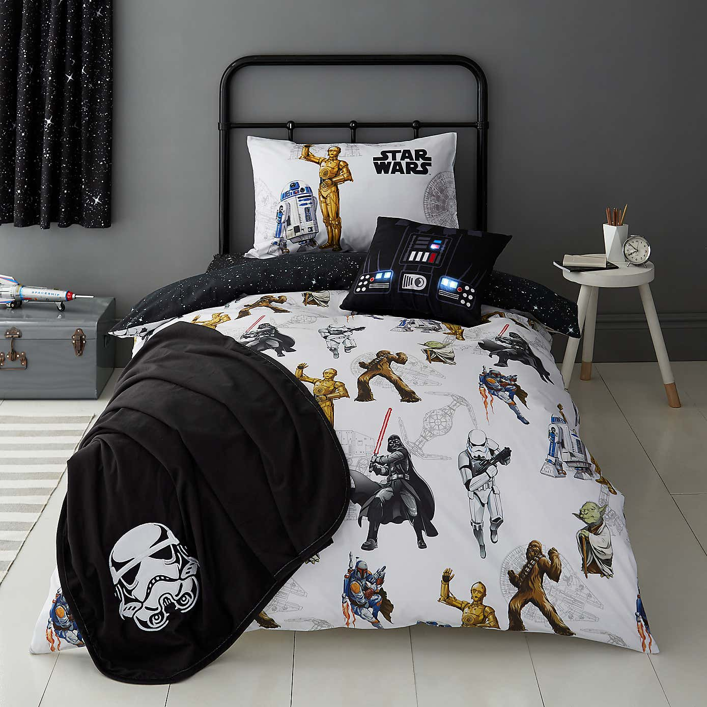 Disney Star Wars Glow In The Dark Duvet Cover And Pillowcase Set - Dunelm