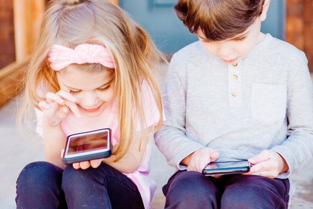 Tickle your kids funny bones with these hilarious Wi-Fi names.