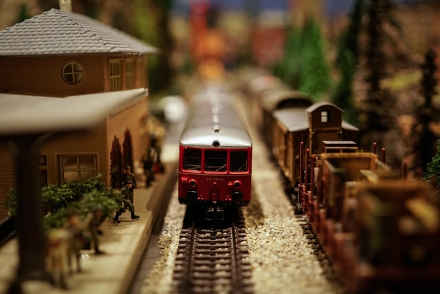 Best Christmas Train Sets To Go Under The Tree.