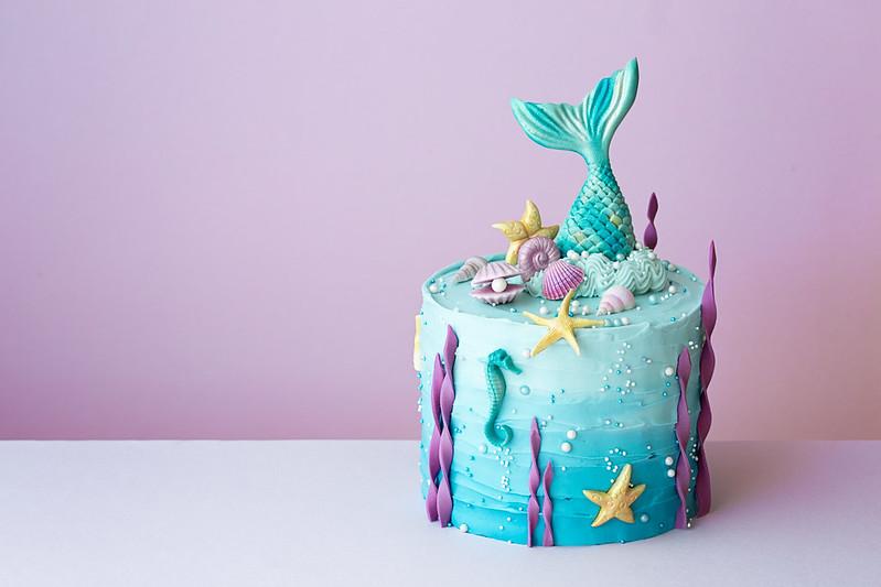 Mermaid cake for ocean lovers.