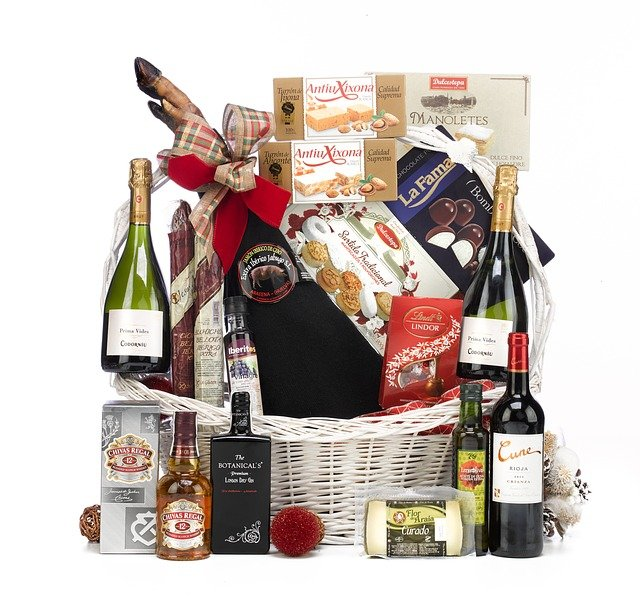 Best Family Christmas Hampers That Will Make Great Gifts.
