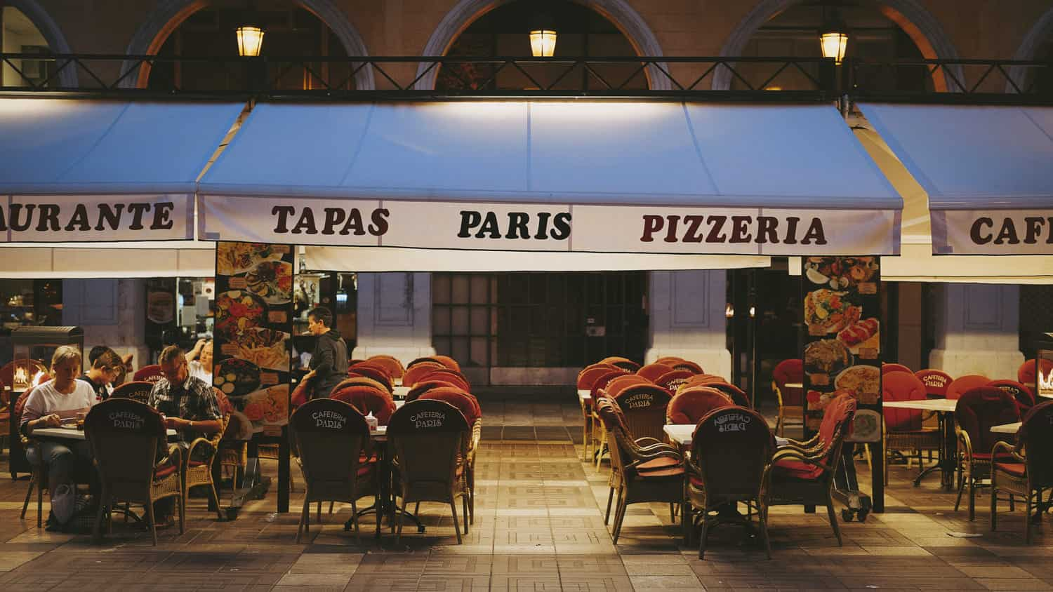For catchy Spanish restaurant name ideas, you can use fun words using the location in your name