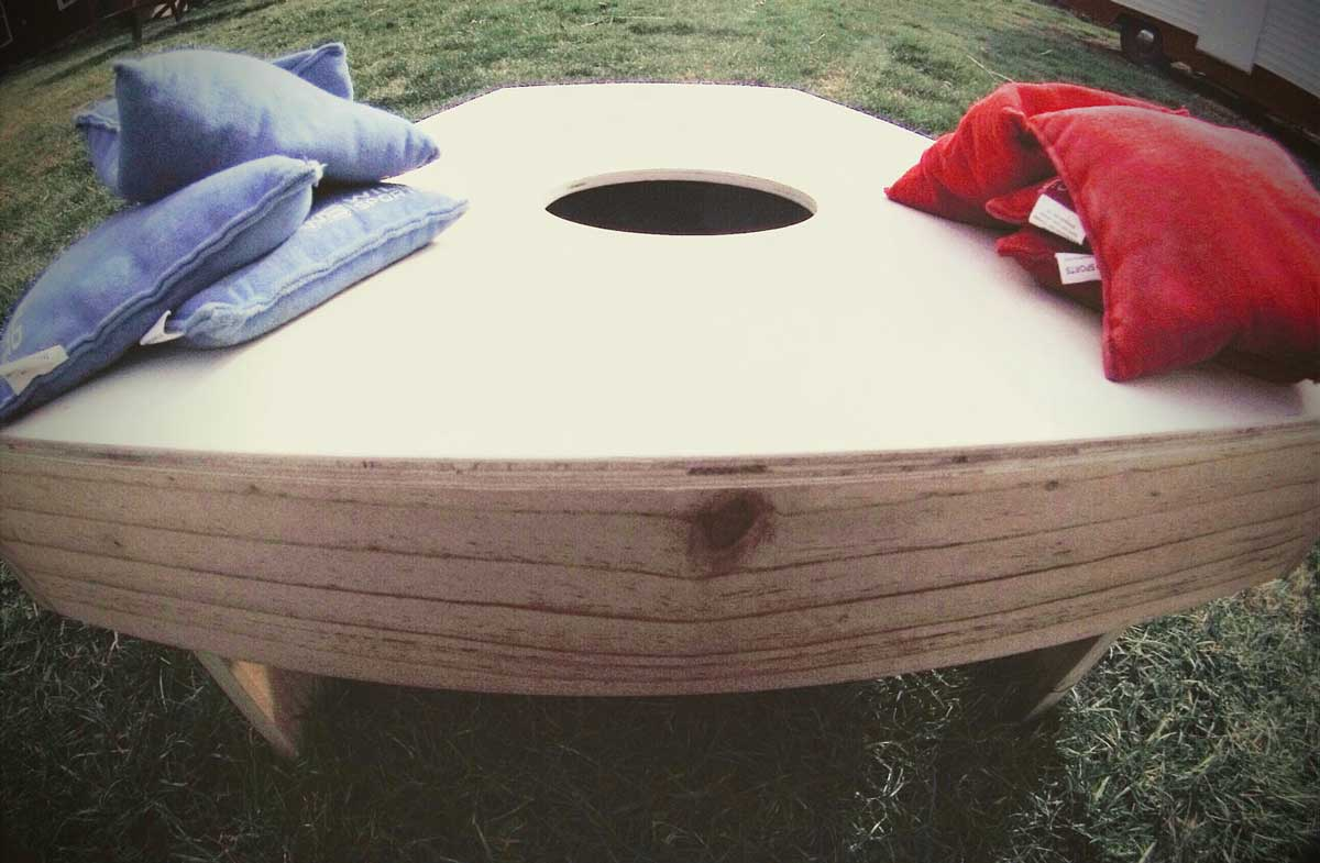 This list of funny cornhole names for the team will undoubtedly bring your team together.
