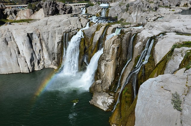 The Shoshone Falls are sometimes called 'the Niagara Falls of the West', but these falls in fact fall further!