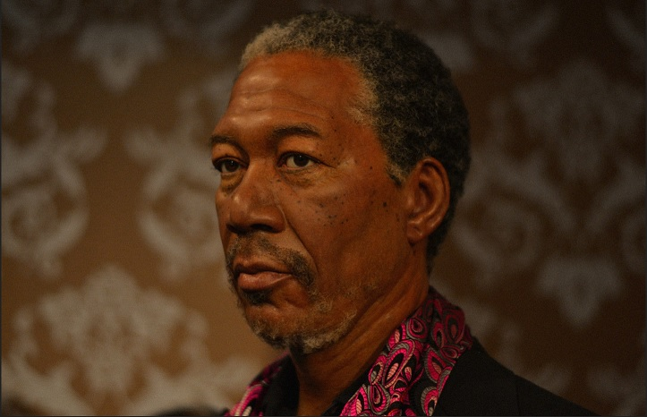 Morgan Freeman owns jazz club,Ground Zero, in Mississippi.