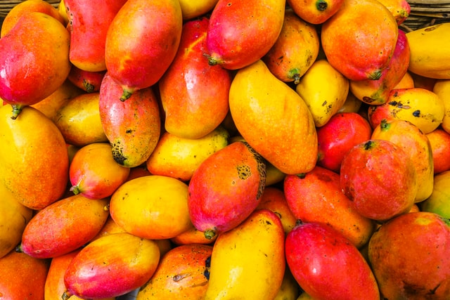 One can make some cheesy and funny fruit puns about mangoes while shopping in stores.