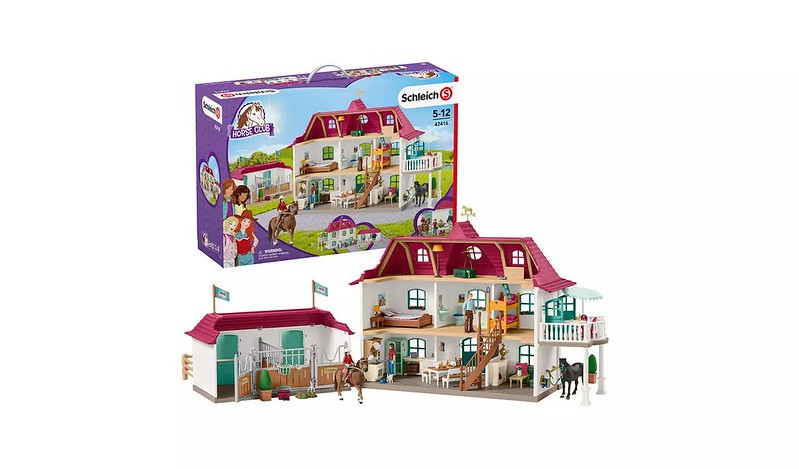 Schleich Horse Club House and Stable - Argos.
