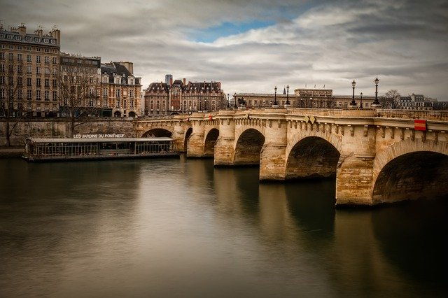 The Pont Neuf is the oldest bridge that goes across the Seine.