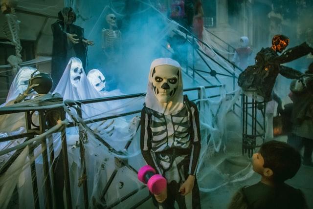 While skeletons may seem scary, kids like some funny skeleton jokes.