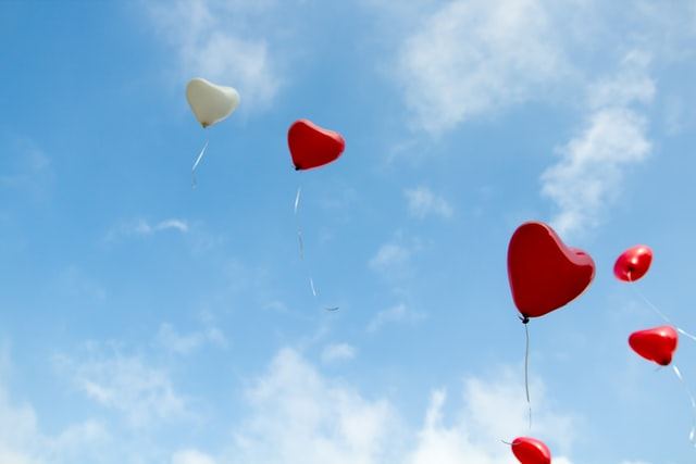 Cute love riddles for you to express your love to your beloved.