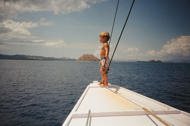 Boating jokes provides an anchor for a great laughter sail.