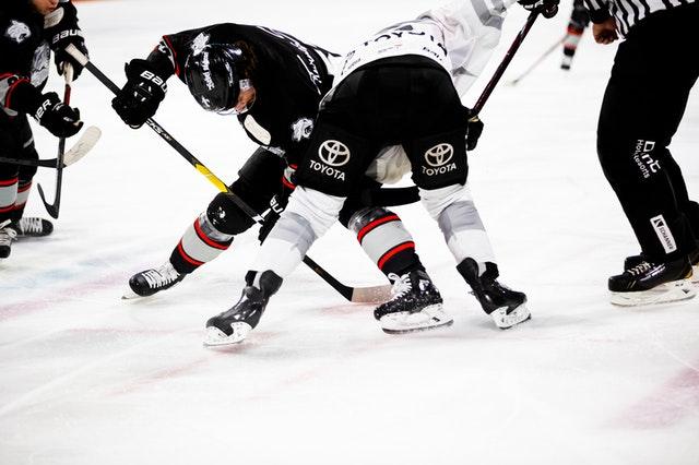 Each NHL team allows a maximum of 20 players.