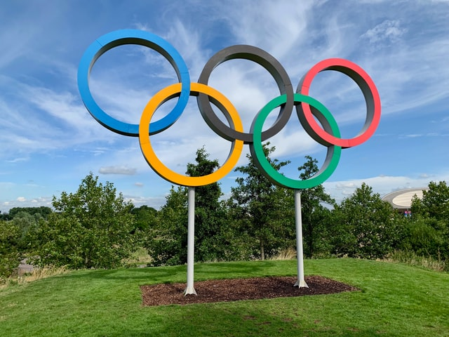 The five rings of Olympics represent the five continents.