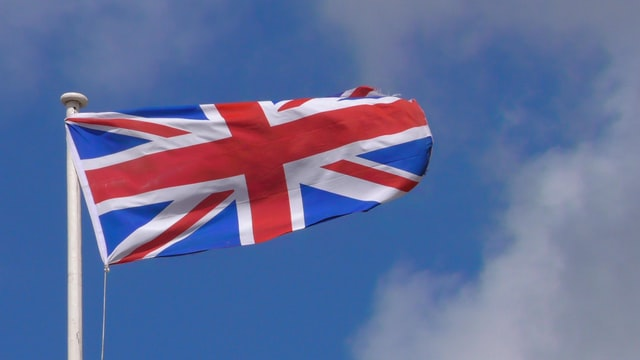 Which flag comprises England, Scotland, Wales and North Ireland?