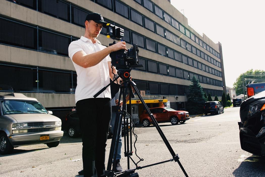 Jim Carrey stars as Truman Burbank in the movie.