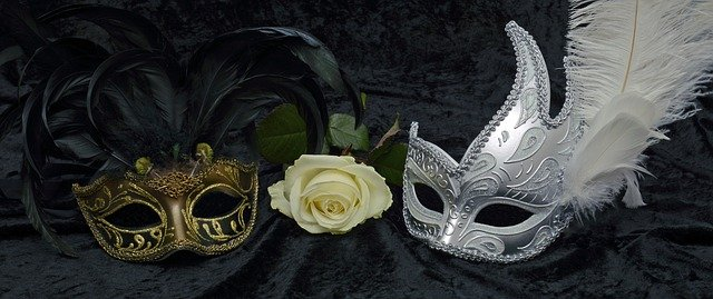 Mask quotes say that we sometimes put on a happy mask to hide our grief.