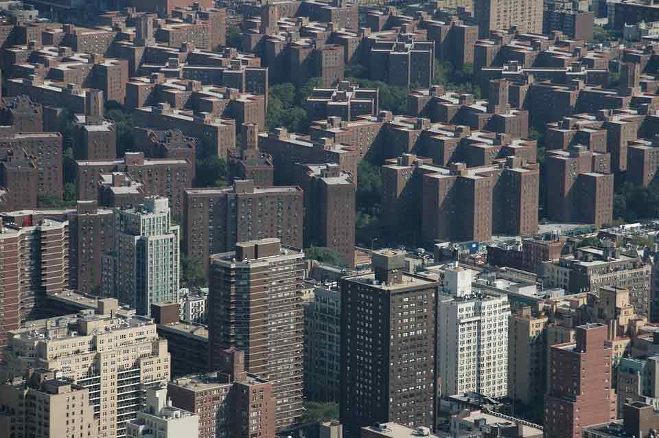 'A Bronx Tale' is a great film starring Robert De Niro