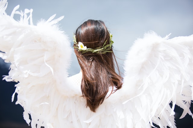 These guardian angel quotes are amazing for when you wish to feel protected and loved.
