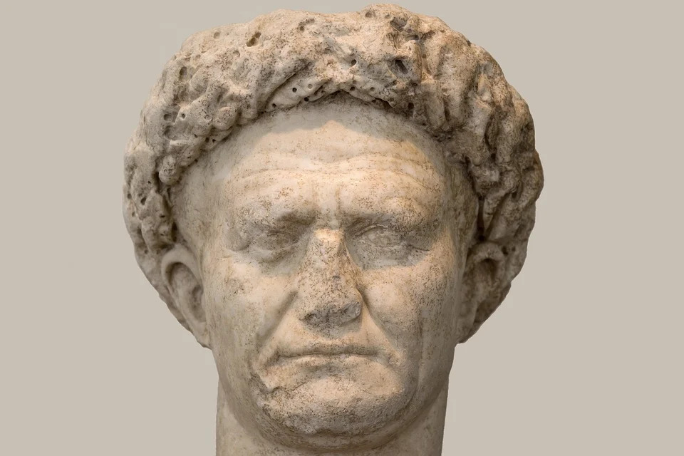 Most famous Horace quotes about love, life, and death.