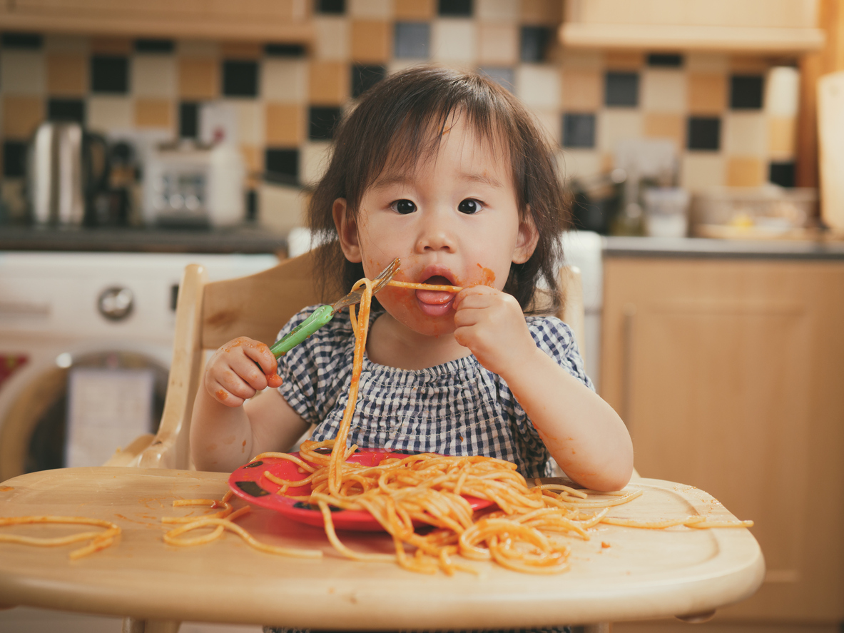 Kidadl's Mealtime Commandments can help children exercise table manners.