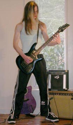 Guitare électrique debout position basse-2