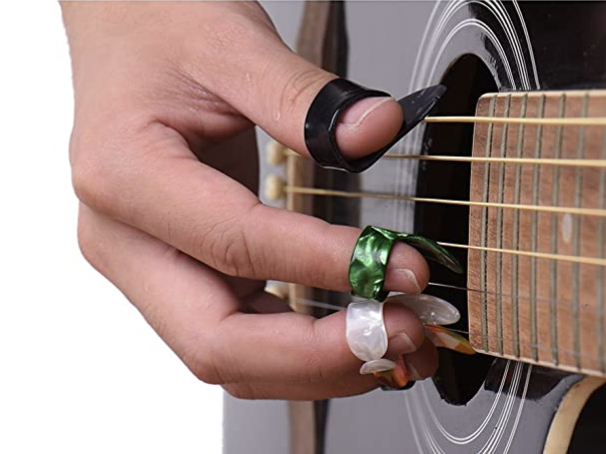 utiliser finger pick guitare classique