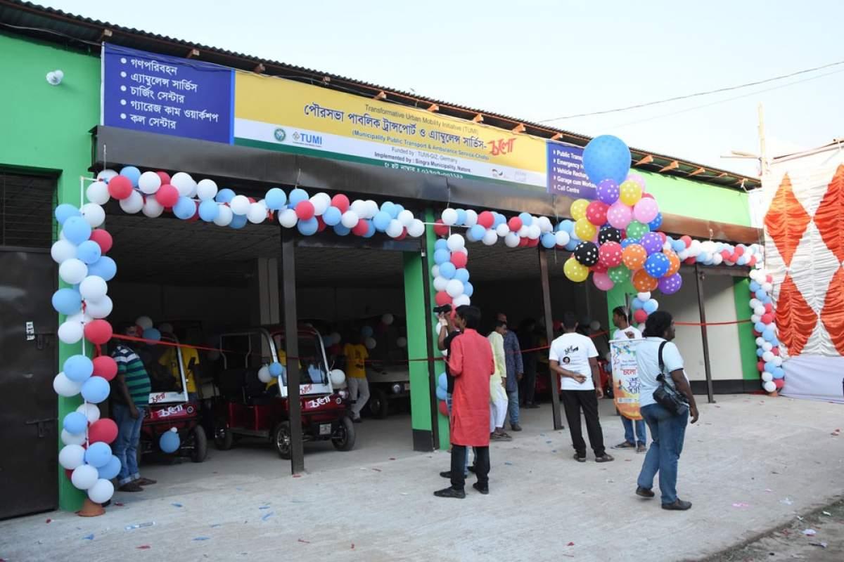 Image of an electric rickshaw in Singra
