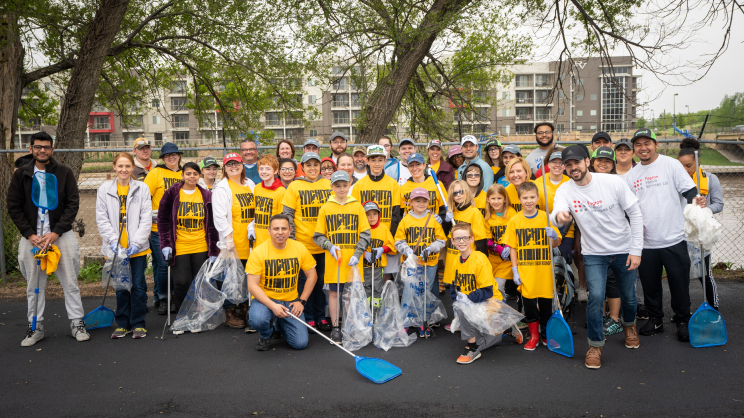 Fagron employees volunteering for charity