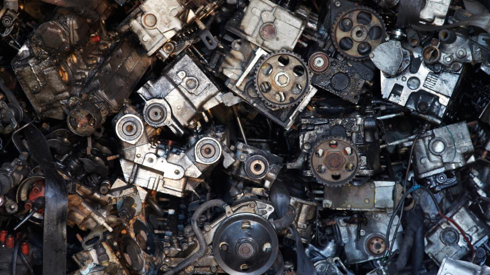 5 benefits to buying & selling recycled car parts parts