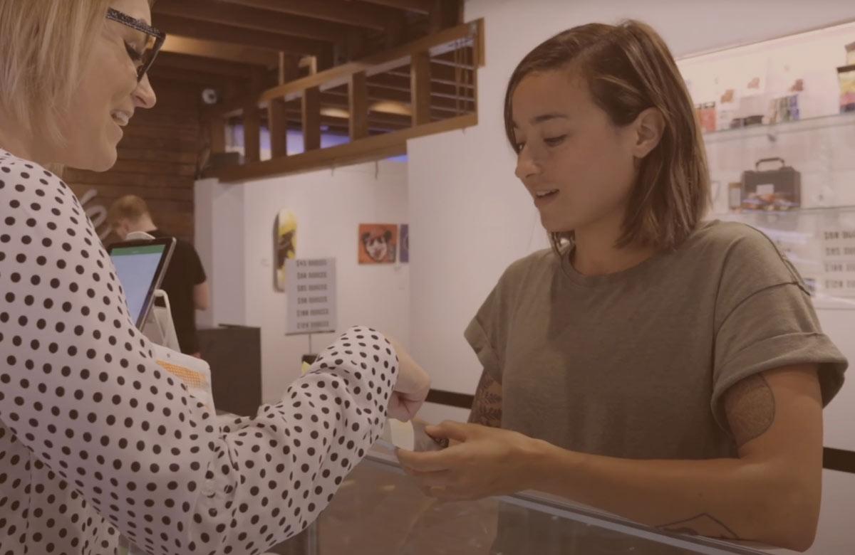 headset-cannabis-retailer-data-software