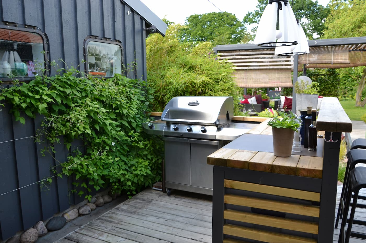 build an outdoor kitchen in your rental property