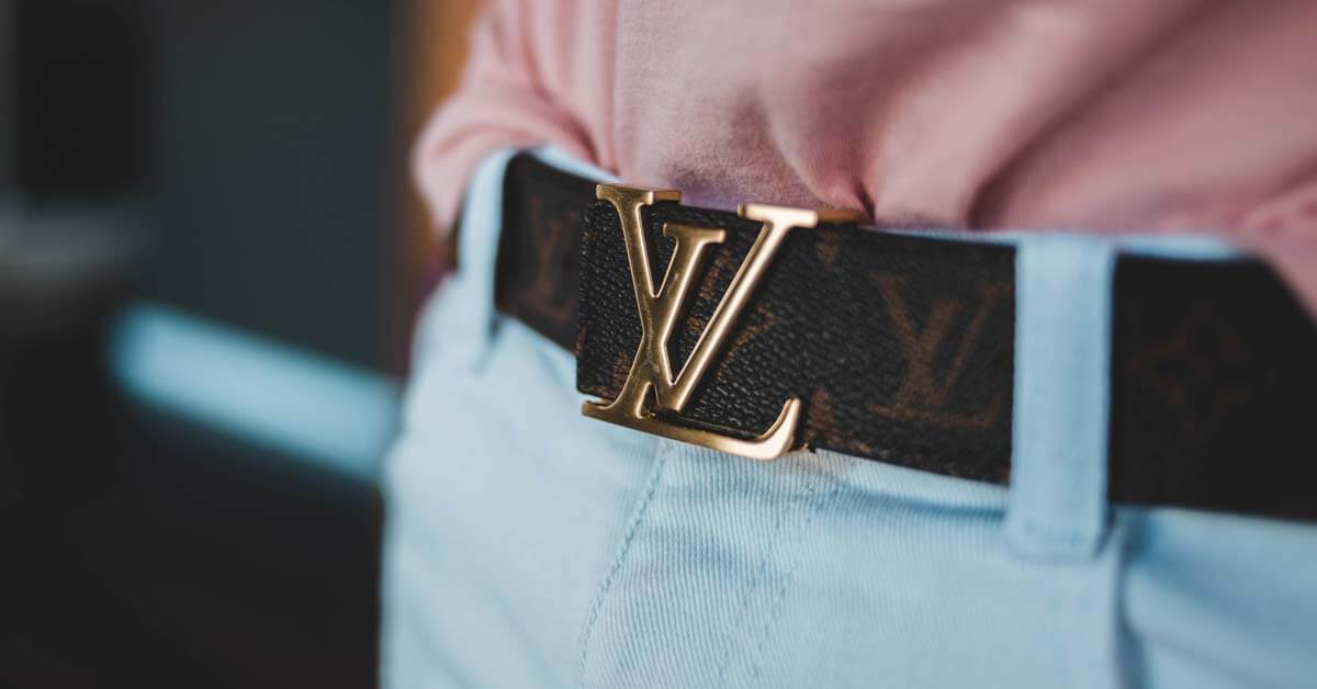 How to Buy Custom Belt Buckles: What to Know