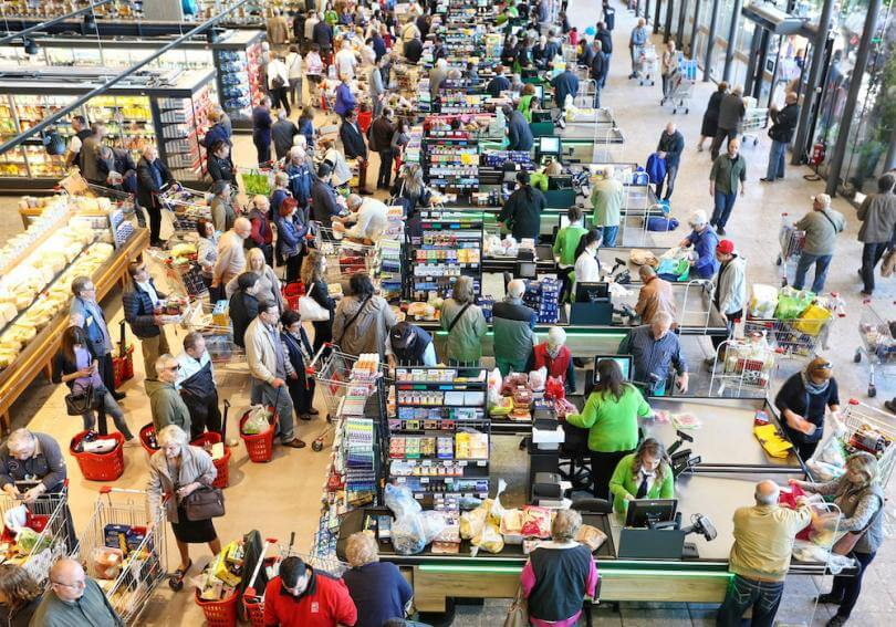 A busy brick-and-mortar grocer with lots of footfall [Unioncrate]