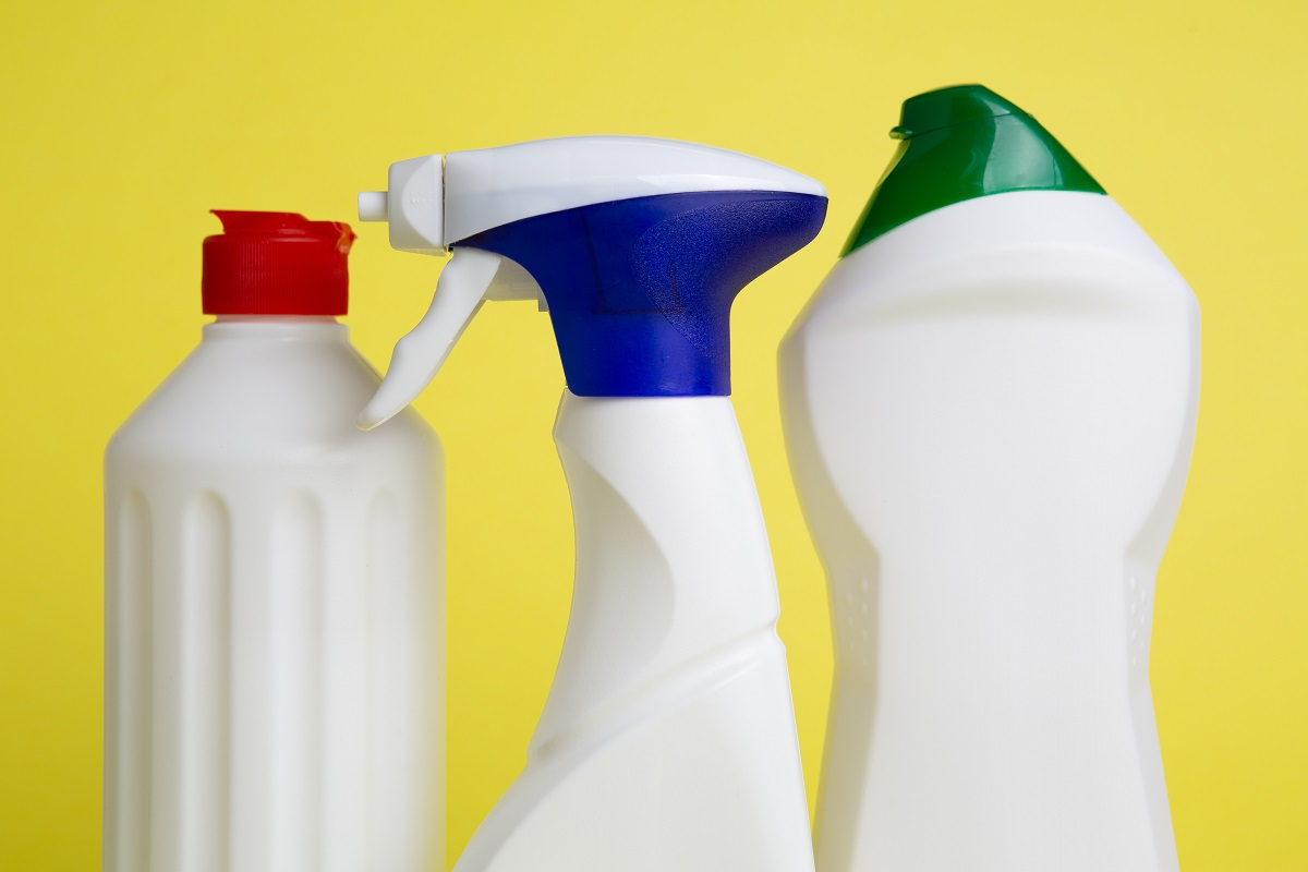 ammonia cleaning cans
