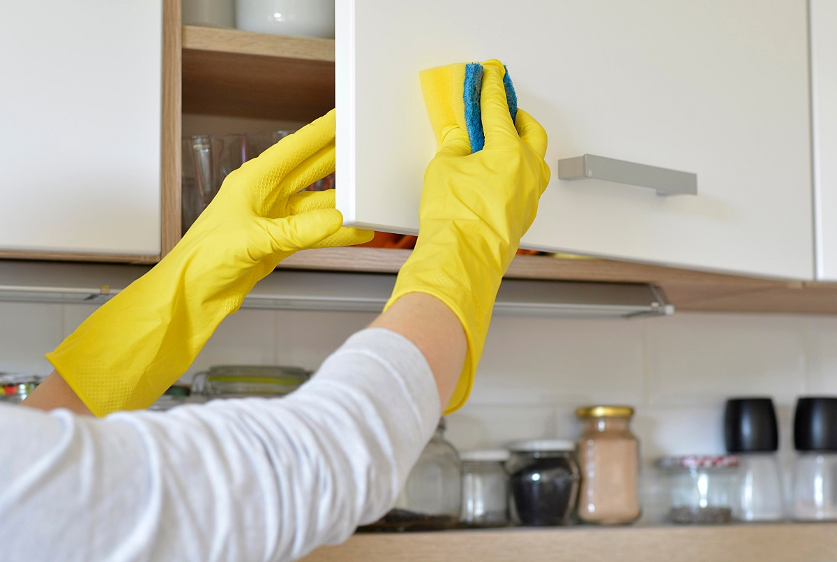 Regular Kitchen Cabinet Maintenance Tips