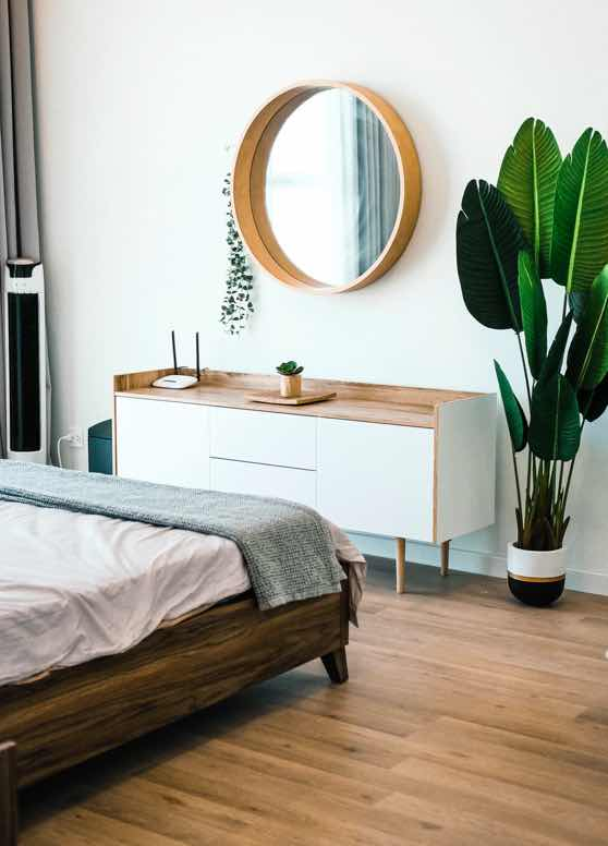 Modern home interior | bedroom, greenery, mirror