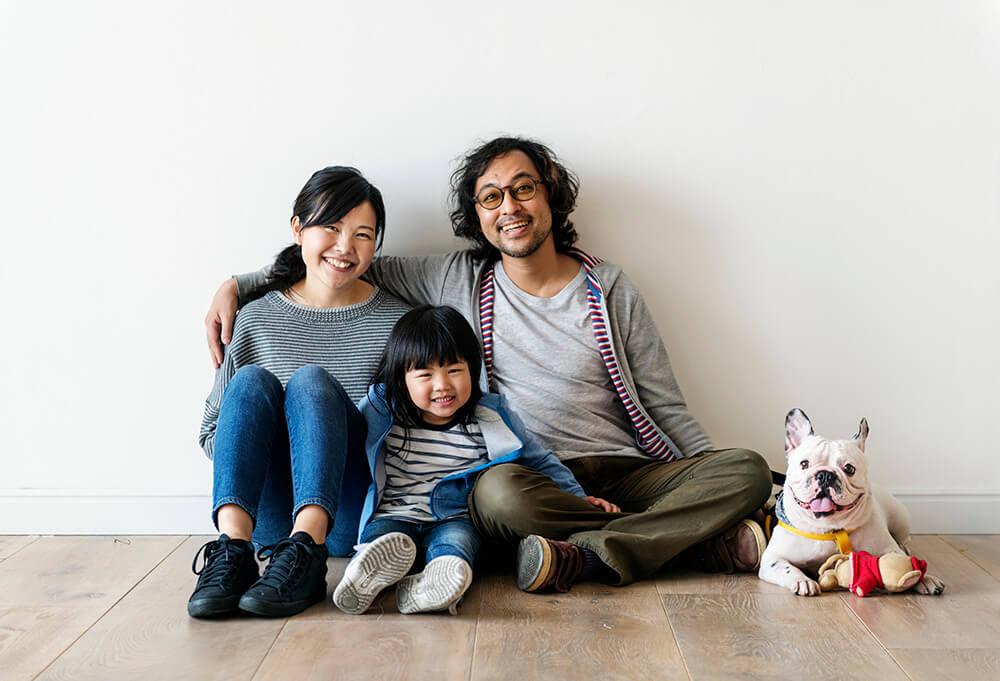 asian-family-buy-new-house