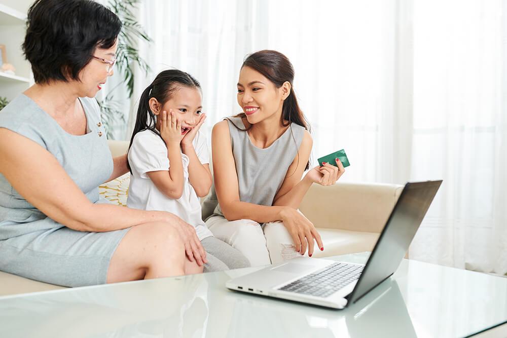 family-doing-shopping-online