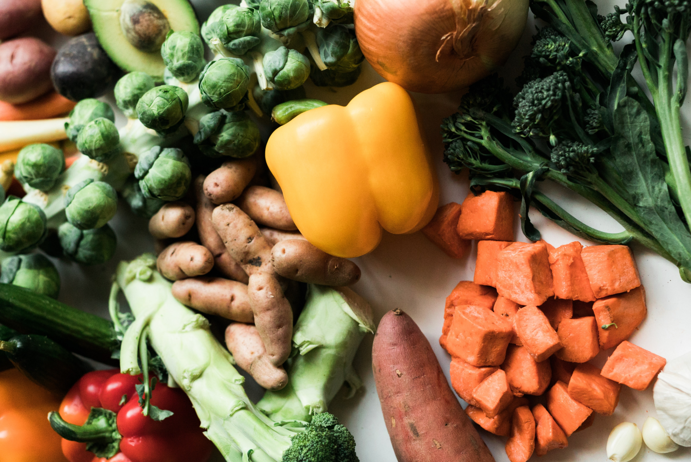 Yellow pepper, brussel sprouts, potatos, yams and broccoli, all low carbon food items.