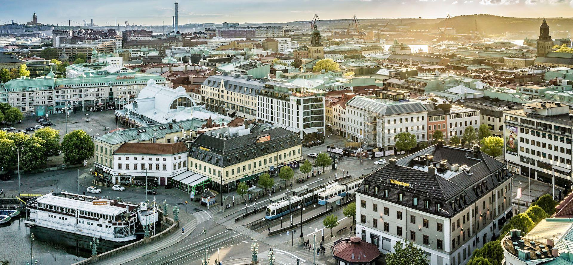 Background of Kungsportsplatsen a part of Gothenburg