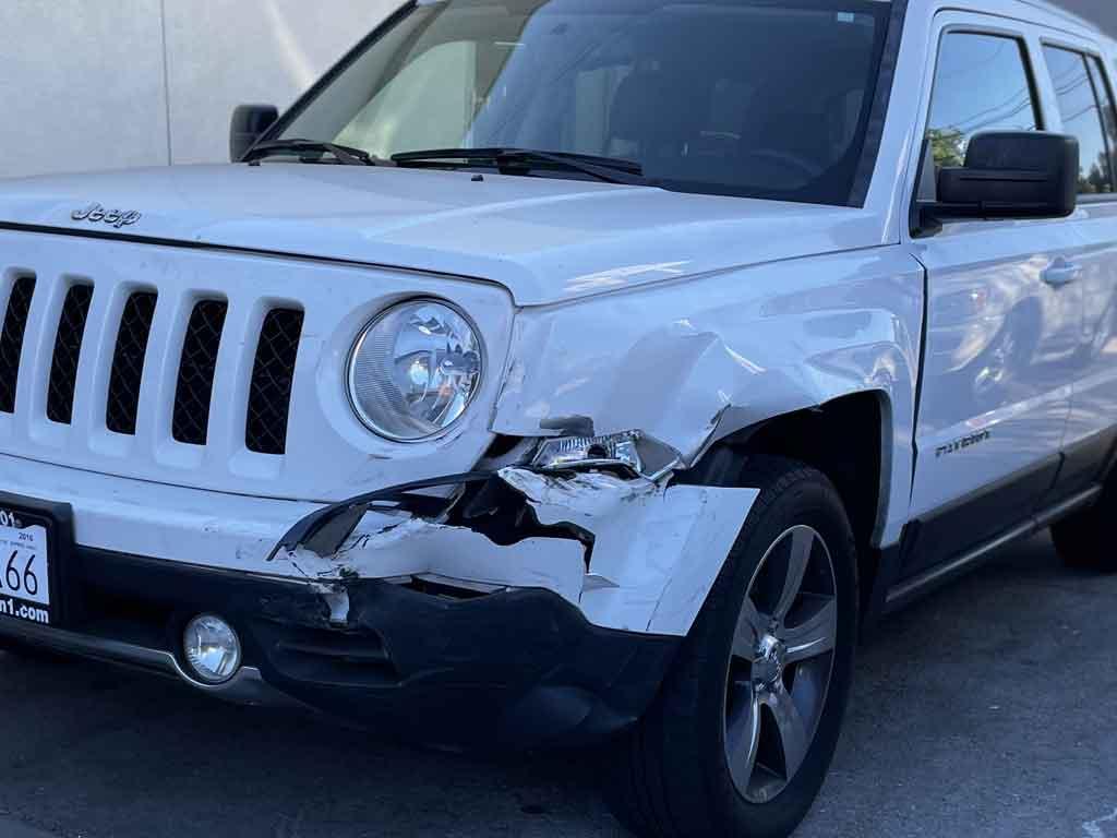 Jeep Patriot Collision, Dent